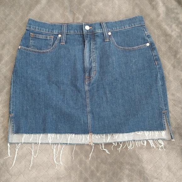 Madewell Dresses & Skirts - Stretch Denim Straight mini skirt